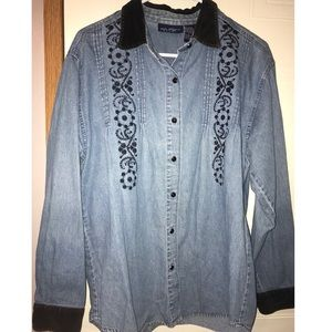 Lightweight denim jacket with embroidery